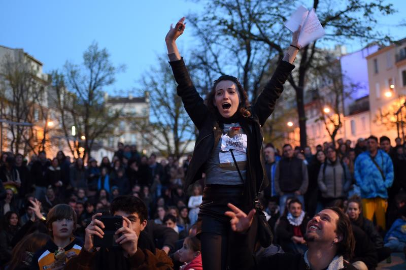 ناشطون ينتمون إلى الحراك يتظاهرون في مرسيليا (أ ف ب)