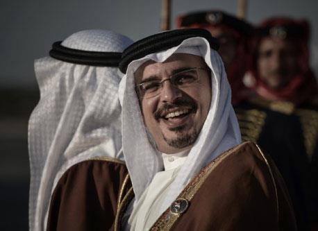 ملك البحرين يدعو إلى الحوار: مناورة أم إصلاح؟
