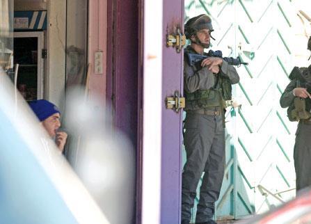 الاحتلال يستهدف قيادات «حماس» في الضفة