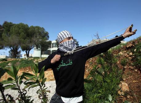 تعليق المصالحة الفلسطينية حتى انتهاء زيارة أوباما في آذار!