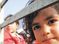 النازحون الفلسطينيون: المساعدة ما بتكفي