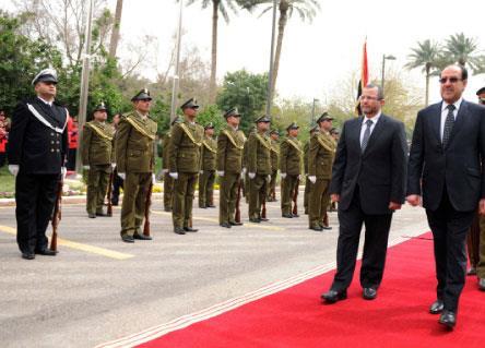 قنديل يعود إلى القاهرة بغنائم «بغدادية»