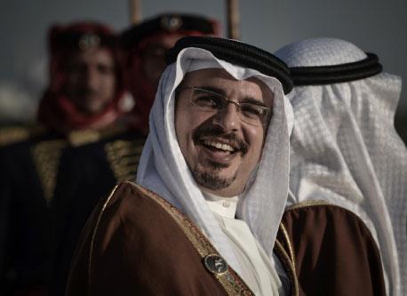 اختراق في الأزمة البحرينية: صلاحيات تنفيذية لولي العهد