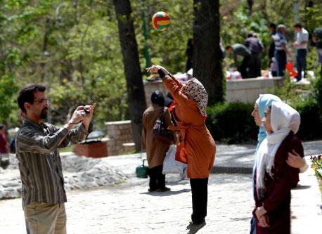 هكذا ينجو مصدّرو إيران من العقوبات