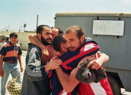 نحبّ المقاومة ونكره اسرائيل