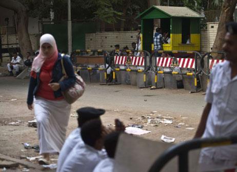 مصر | استقالة وزير السياحة والتظاهرات تعــمّ المحافظات