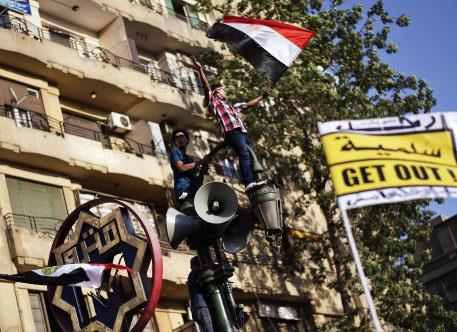 من تقسيم إلى التحرير: الدرس واحد