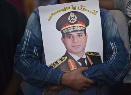 هكذا تلاعب المجلس العسكري بجميع خصومه