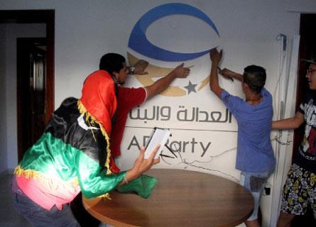 بنغازي شيّعت المسماري: أحبّ نصرالله وحارب الإخوان والسلطة