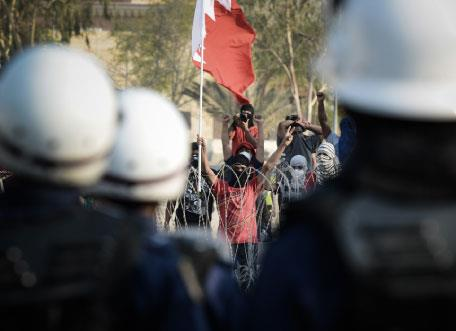 البحرين | «تمرد» تشلّ الحياة وتحول دون إسالة الدماء