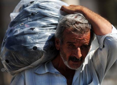 مفوضية اللاجئين قلصت مساعداتها للسوريين