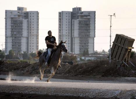 تل أبيب تستعدّ لآثار الضربة... أو عدمها