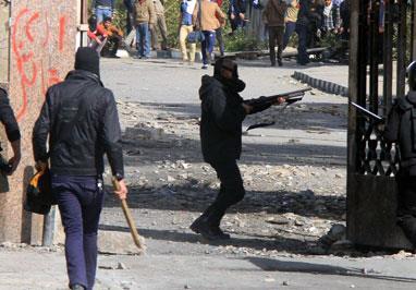 العمّال الطرف الأضعف في مواجهة القبضة الأمنية