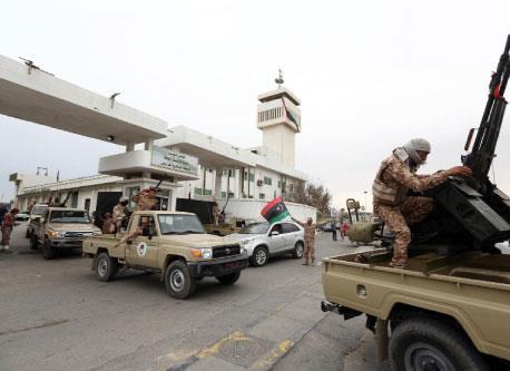 الحروب الأيديولوجية في ليبيا: من المنابر إلى المــساكن