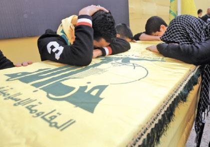 إدانة سعودية «ملتبســة» للتفجيرين و14 آذار تبررهما