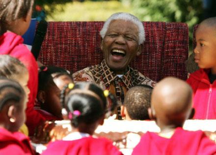 نيلسون مانديلا:  المقاتل   المُسالم
