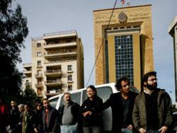 الثورة لبنانياً: «قد بساطك مد إجريك»