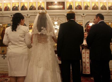 الطلاق بمذاهب كثيرة: تعدّد الزيجات عند المسيحيين