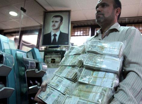 تجّار سوريا: رِجْل في البور وأخرى في الفلاحة