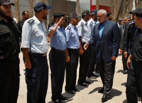 فلسطين | هنيّة في القاهرة: رفع الحصار أوّلاً