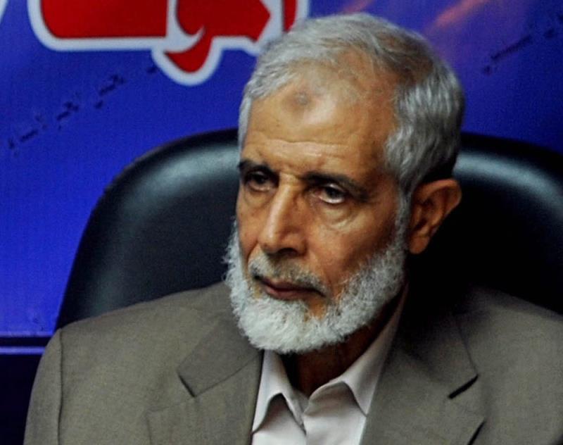 القيادي محمود عزت