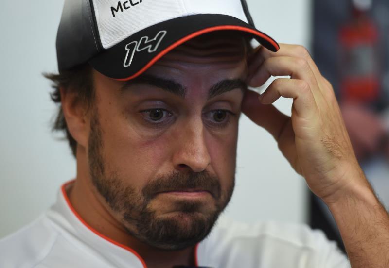 شارك ألونسو في التجارب وتأكدت مشاركته في السباق (غريغ بايكر ــ أ ف ب)
