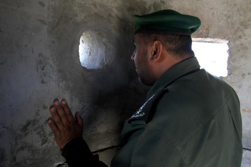 بجانب نشر المقاومة دوريات حدودية عزّز الأمن حراسة الحدود مع مصر  (آي بي ايه)