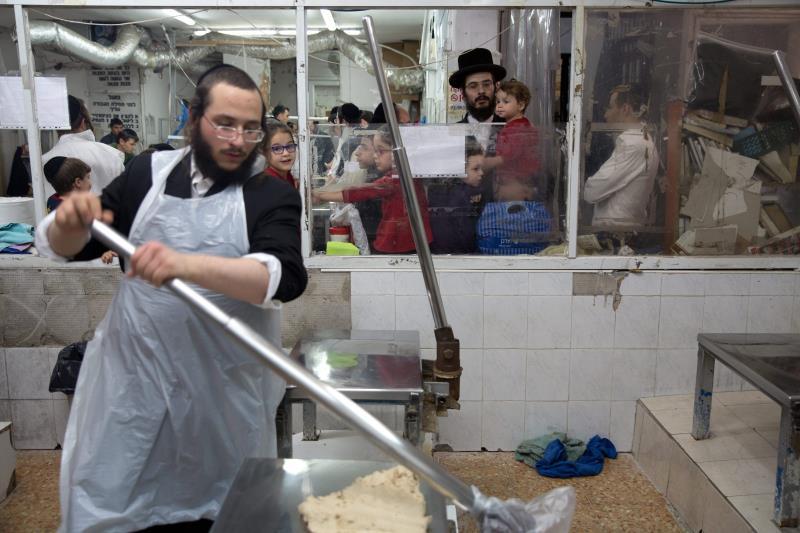 الجريمة المنظمة في إسرائيل من أهم التحديات التي يحذر منها مسؤولون أميركيون وإسرائيليون (أ ف ب)