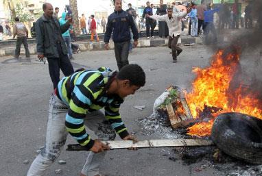 نظام مبارك رهن «جمعة الغضب»