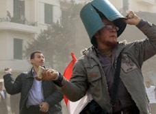 يعودون إلى مصر كي لا تفوتهم الثورة