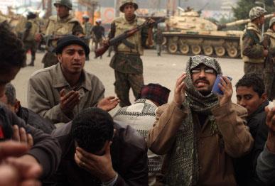 محاولة إجهاض الانتفاضة المصريّة: بعـض التنبيهات السياسيّة والمنهجيّة