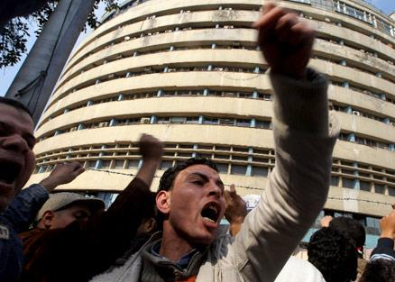 وأسقط الشعب إمبراطورية مبارك الإعلامية