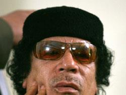 معمر القذافي:  من «الثورة» إلى رقصة البونغا بونغا