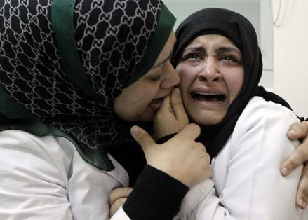 جيش الملك يمعن في سفك دماء البحرينيّين: الرصاص مقابل الورود