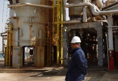 عائدات النفط خوّلت «العقيد» اجتياح أفريقيا... استثماريّاً