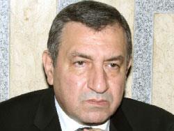 عصام شرف: «رجل إنقاذ» تطلبه الثورة