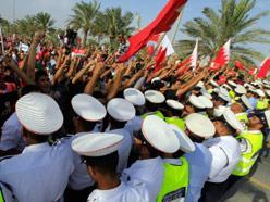 البحرين: «مسيرة الديوان» تلامس الخطّ الأحمر