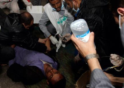 صالح يفتتح حرباً كيميائيّة في «ساحة التغيير»