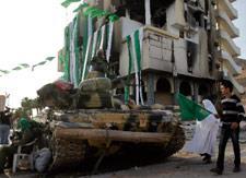 إسرائيل قلقة من انهيار نظام القذافي