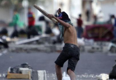 البحرين ساحة حرب... وشبح الفتنة يخيّم على الخليج