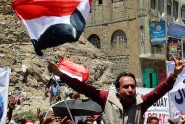 الزياني في صنعاء: خطّة لتنحّي صالح خلال شهر
