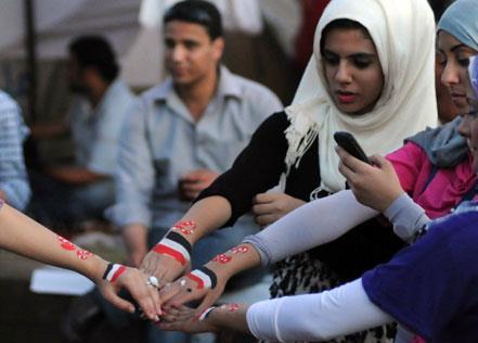 مصر: حكومة شرف بدون قسَم