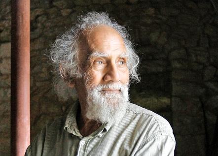 منير أبو دبس: أبو المسرح اللبناني ما زال يبحث عن «السرّ»