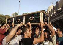 كيف تحولت تظاهرة الأقباط إلى مذبحة؟
