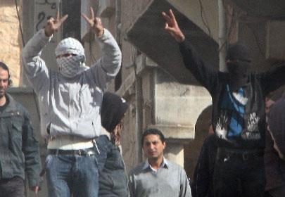 سوريا: 15 قتيلاً في درعا... والنظام يتّهم «عصابة مسلّحة»