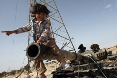 مجموعة الاتصال تقرّر مواصلة الحرب... وباريس وواشنطن تعيّنان سـفيرين لدى بنغازي