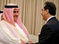 البحرين: وزير الداخلية يتّهم حزب الله بتنظيم الانتفاضة