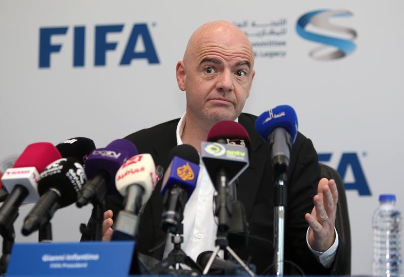 إنفانتينو خلال مؤتمر صحافي في الدوحة
