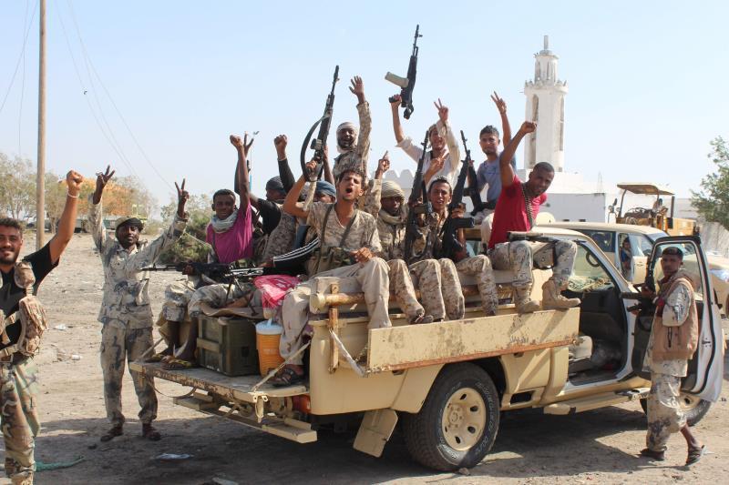 «أنصار الله»: استمرار الغارات الجوية يؤكد أن الإعلان عن وقف إطلاق النار كلام عارٍ من الصحة