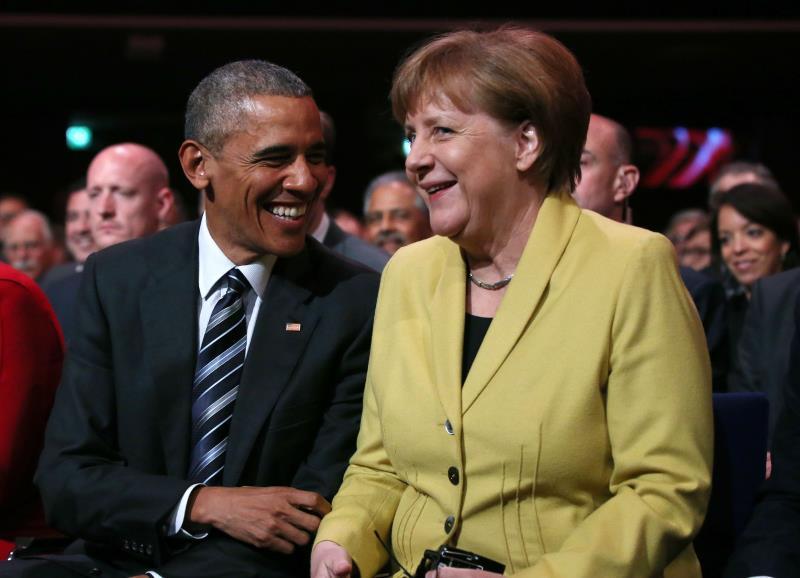 أشاد أوباما بالسياسة «الواقعية والأخلاقية» لميركل  في قضايا كقضية اللاجئين (أ ف ب)